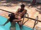 Puta carioca adora uma safadesa na piscina